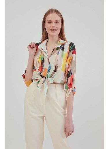 Vitrin Renkli Desenli Önden Bağlamalı Bluz Renkli